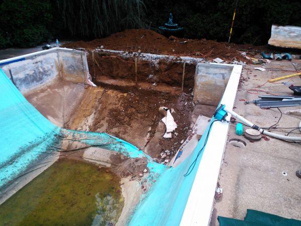 Vinyl pool repair for Pool liner installation